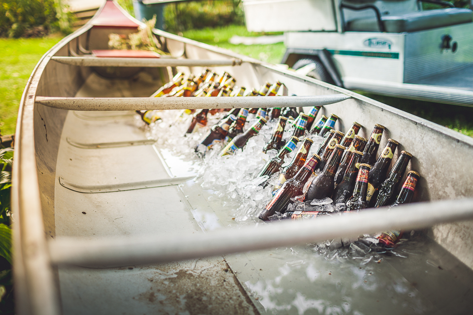13 beer boat details for wedding - Rural Chicago Wedding Photographer // Chantel + Chris