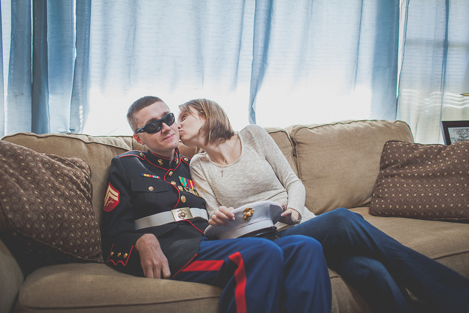 03 couple in love kissing on couch - Zmysly Family <> Portraits of a Hero & His Family