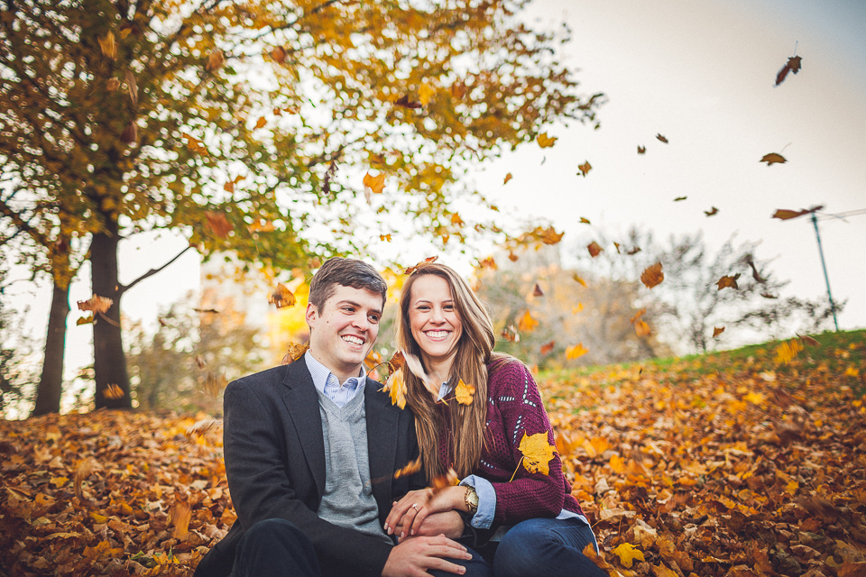 10 chicago engagement in the fall - Lindsey + Matt || Chicago Engagement Shoot