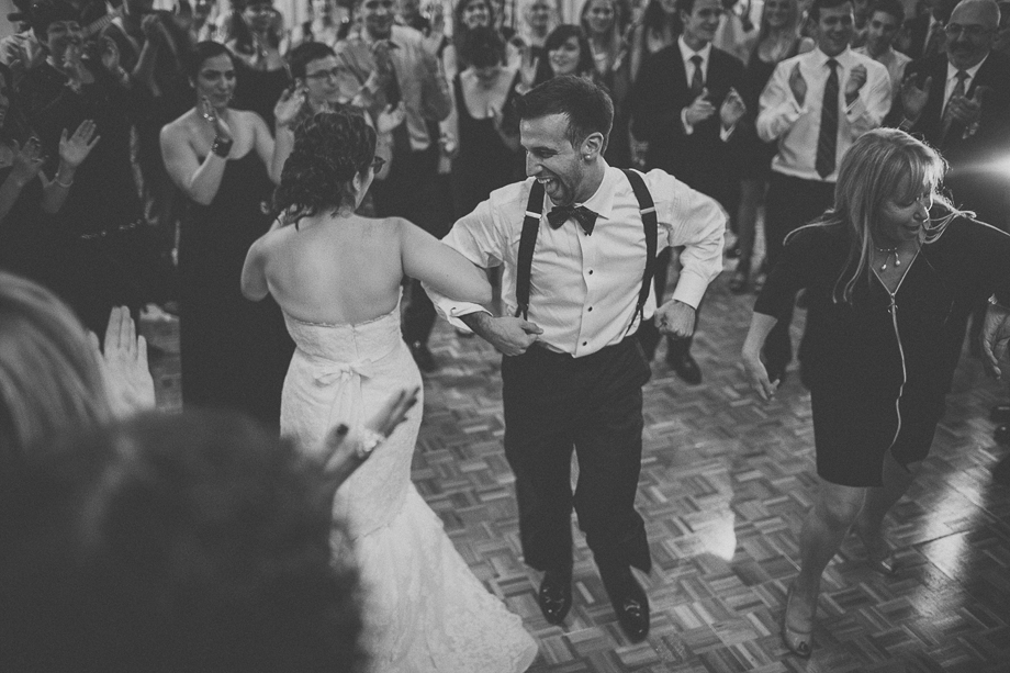 24 crazy dancing  chicago wedding photographer
