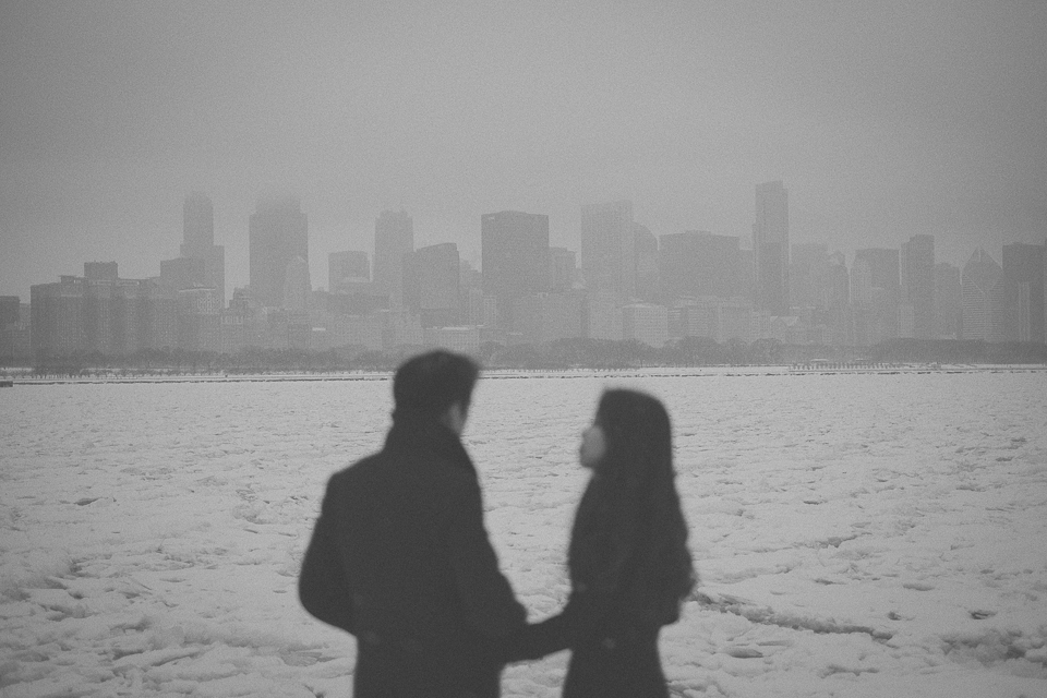 peter gubernat chicago wedding photographer winter engagement photos