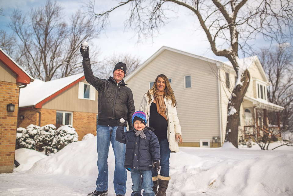 16 family throwing snowballs - Maternity & Family Photography in Oakbrook <> Wojcicki Family