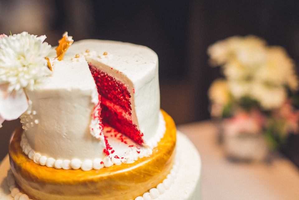 58 cut cake - Downtown Chicago Wedding Photography // Mandy + Tim
