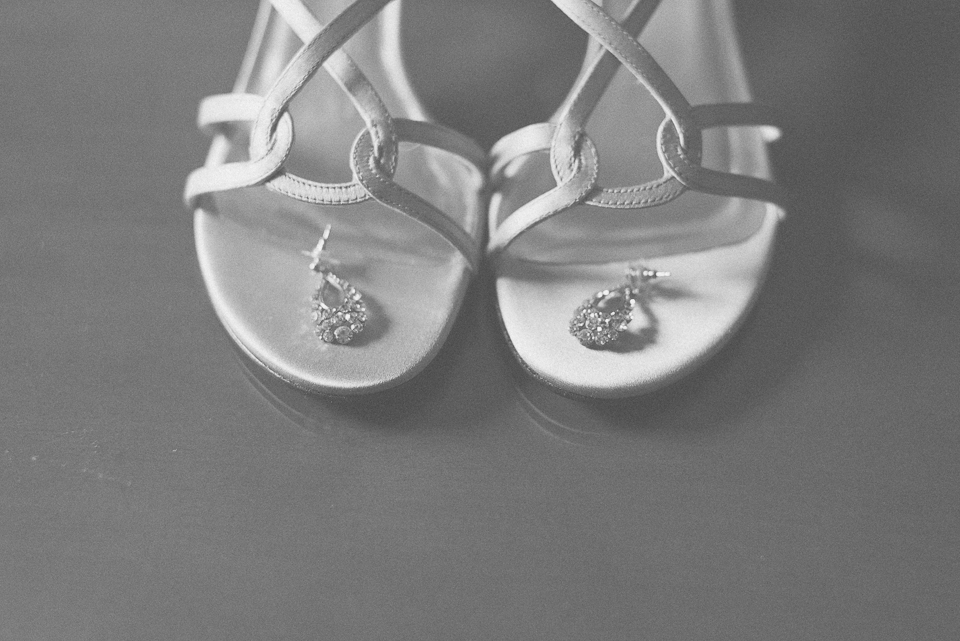 07 bridal shoes and earings