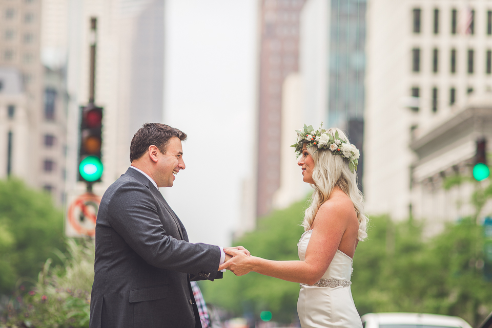 22 bride and groom first look in chicago