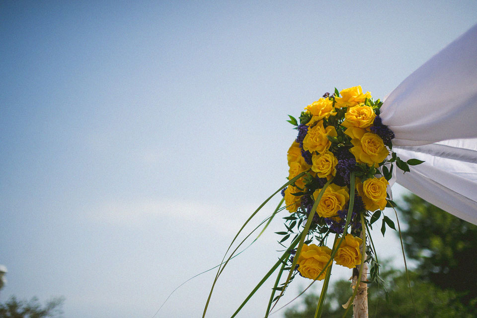 08 flowers at promontory point wedding - Chicago Wedding Photographers // Sal + David