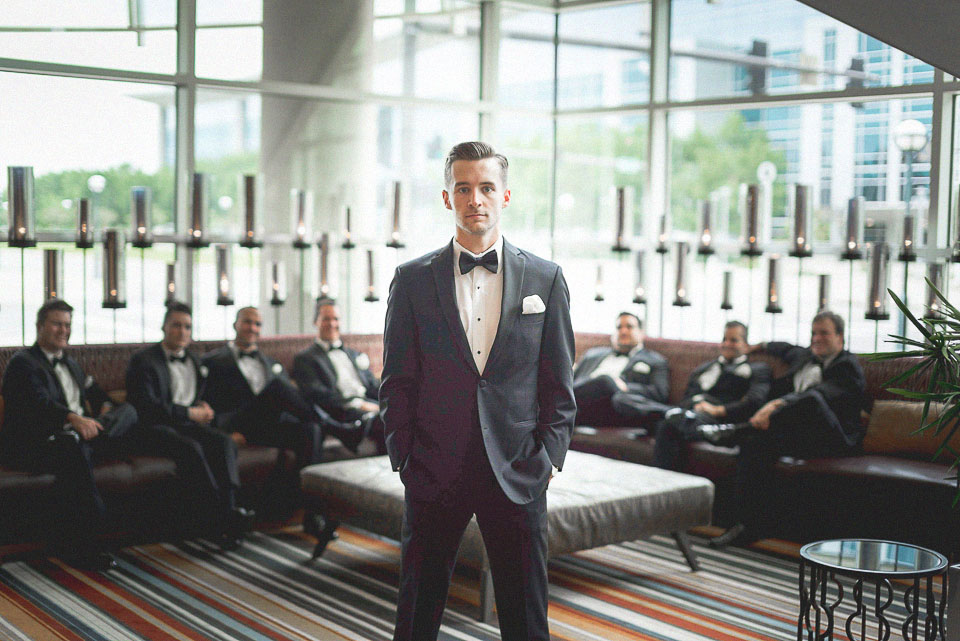 13 creative groom portrait