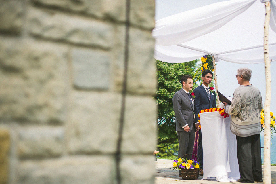 16 creative photos at promontory point wedding - Chicago Wedding Photographers // Sal + David