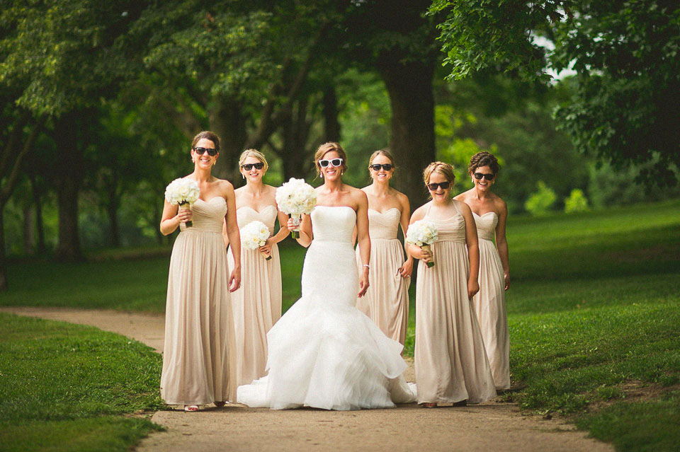 25 bride with bridesmaids
