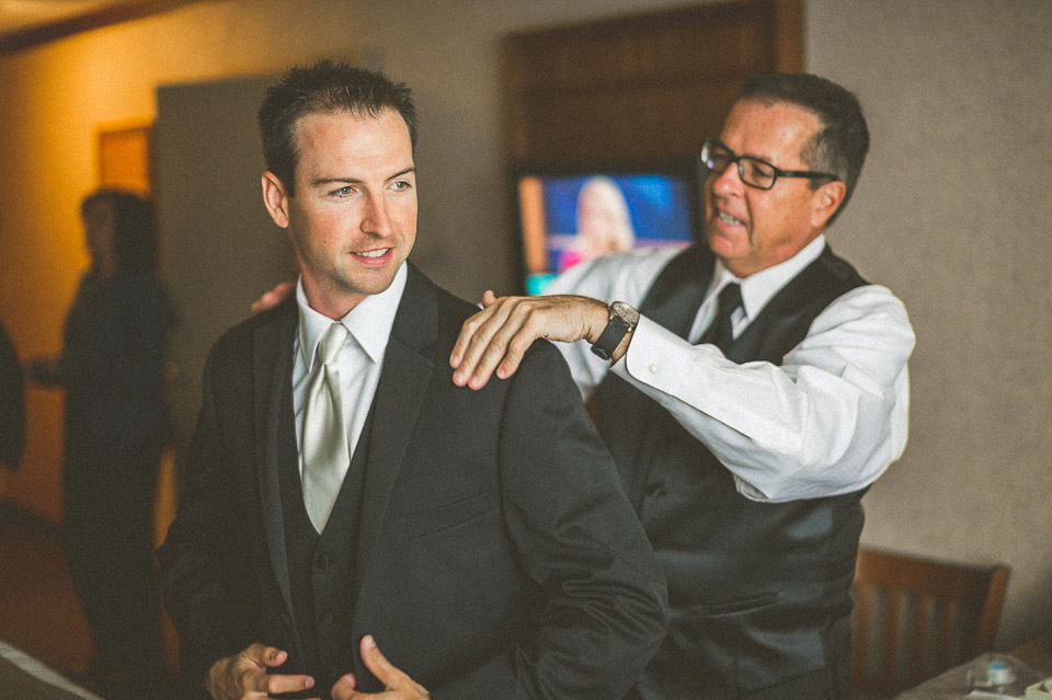 14 groom preparations near lake geneva wi - Susan + Jack // Lake Geneva Wedding Photography