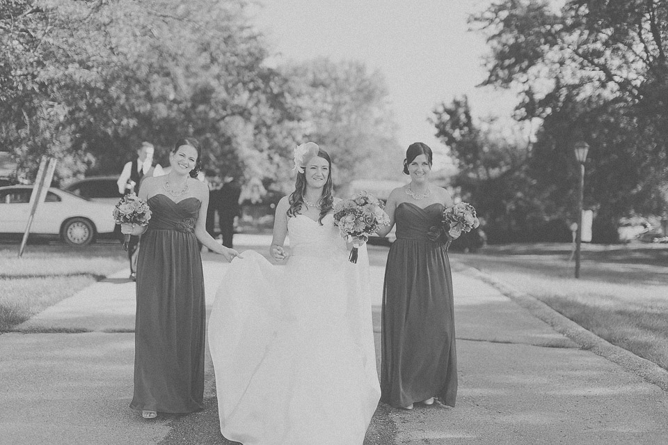 37 black and white of bride and bridesmaids
