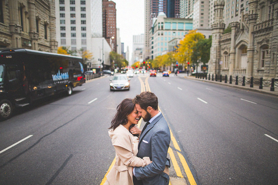10 engagement photos on michigan avenue chicago - Chicago Engagement Photos // Sarah + Daniel