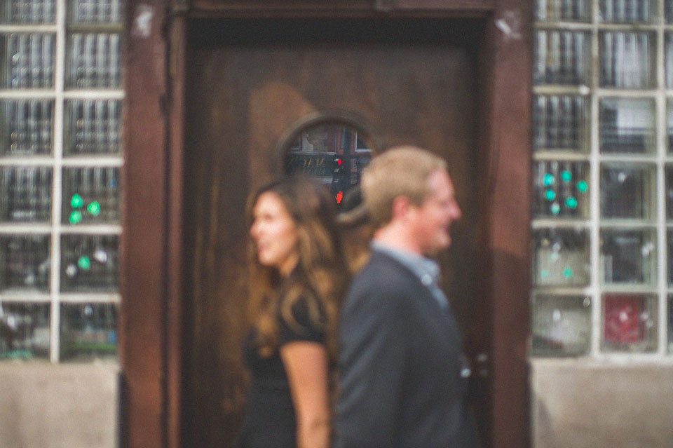 11 creative engagement photos in chicago - Wicker Park Chicago Engagement Photos // Mandy + Mike