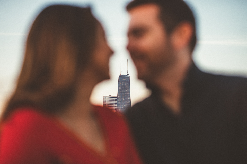 03 creative engagement photos in chicago - Downtown Chicago Engagement Photo Session // Erin + Tim