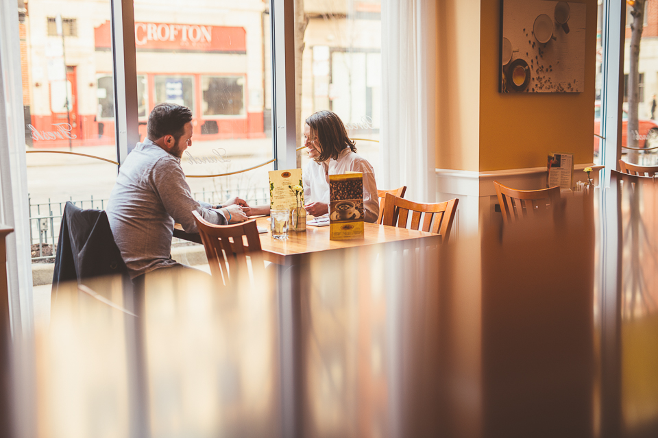 11 best engagement photos in coffeeshops