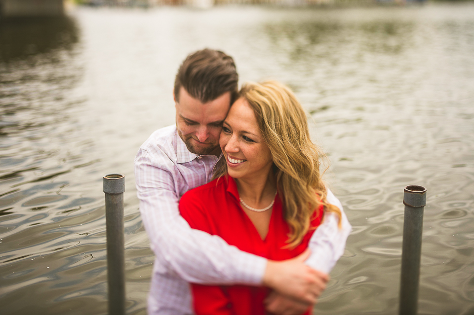 08 engagement photos by the lake