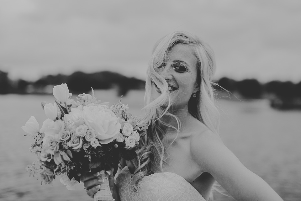18 black and white of bride