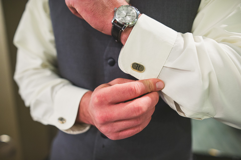 25-2 groom and his cufflinks