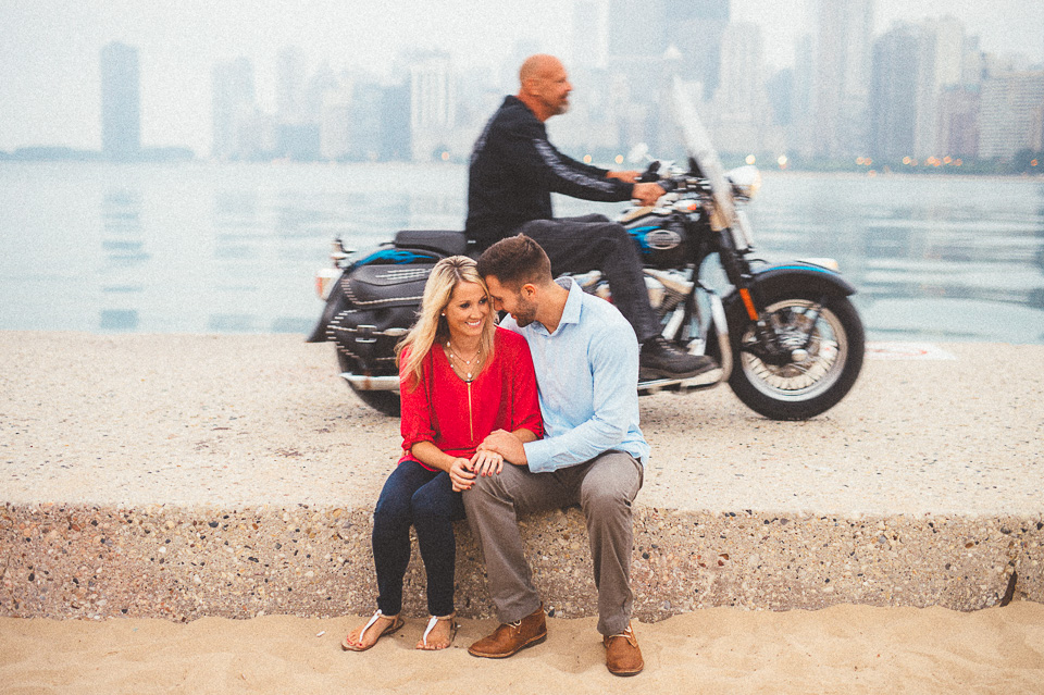 03 creative engagement session photos - Downtown Chicago Engagement Photos // Amber + Jacob