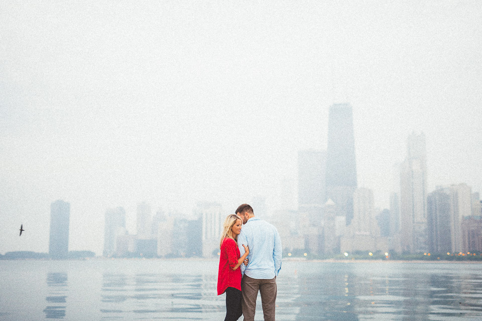 04 chicago lakefront engagement photography - Downtown Chicago Engagement Photos // Amber + Jacob