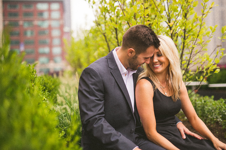 08 downtown chicago engagement session - Downtown Chicago Engagement Photos // Amber + Jacob