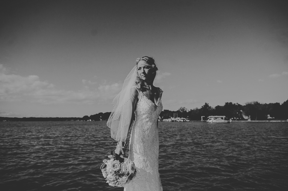 29 black and white bridal portraits