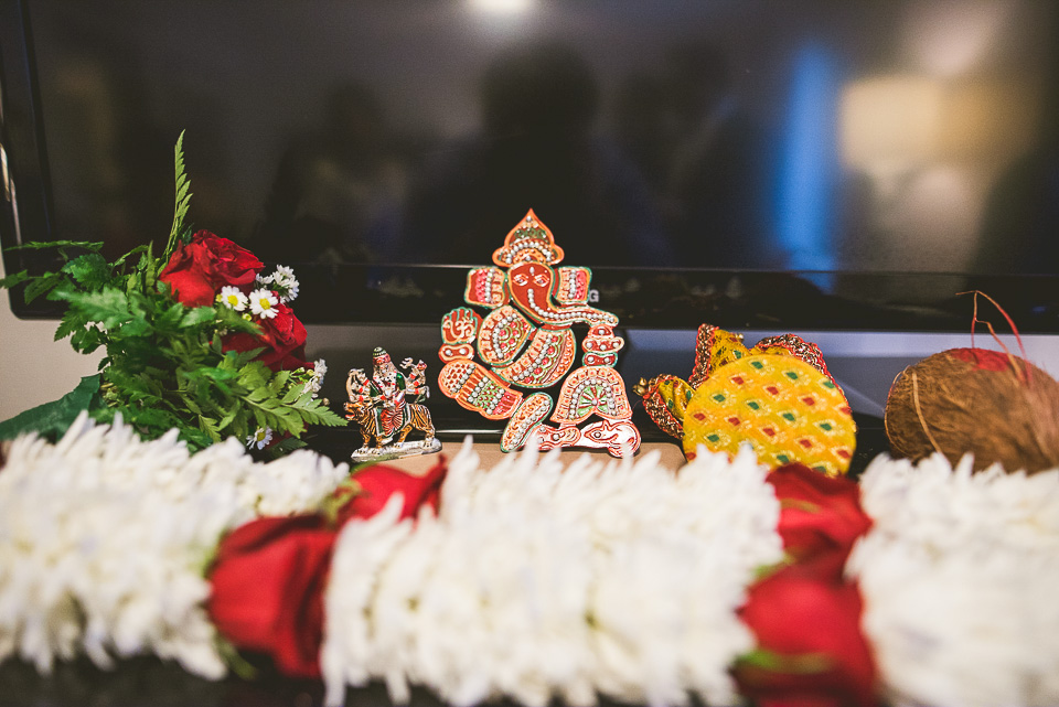 24 hindu trinkits - Molly + Simul // Chicago Wedding Photos at Bridgeport Art Center