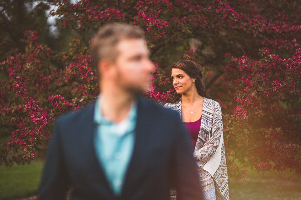 18 creative composition in engagement photos