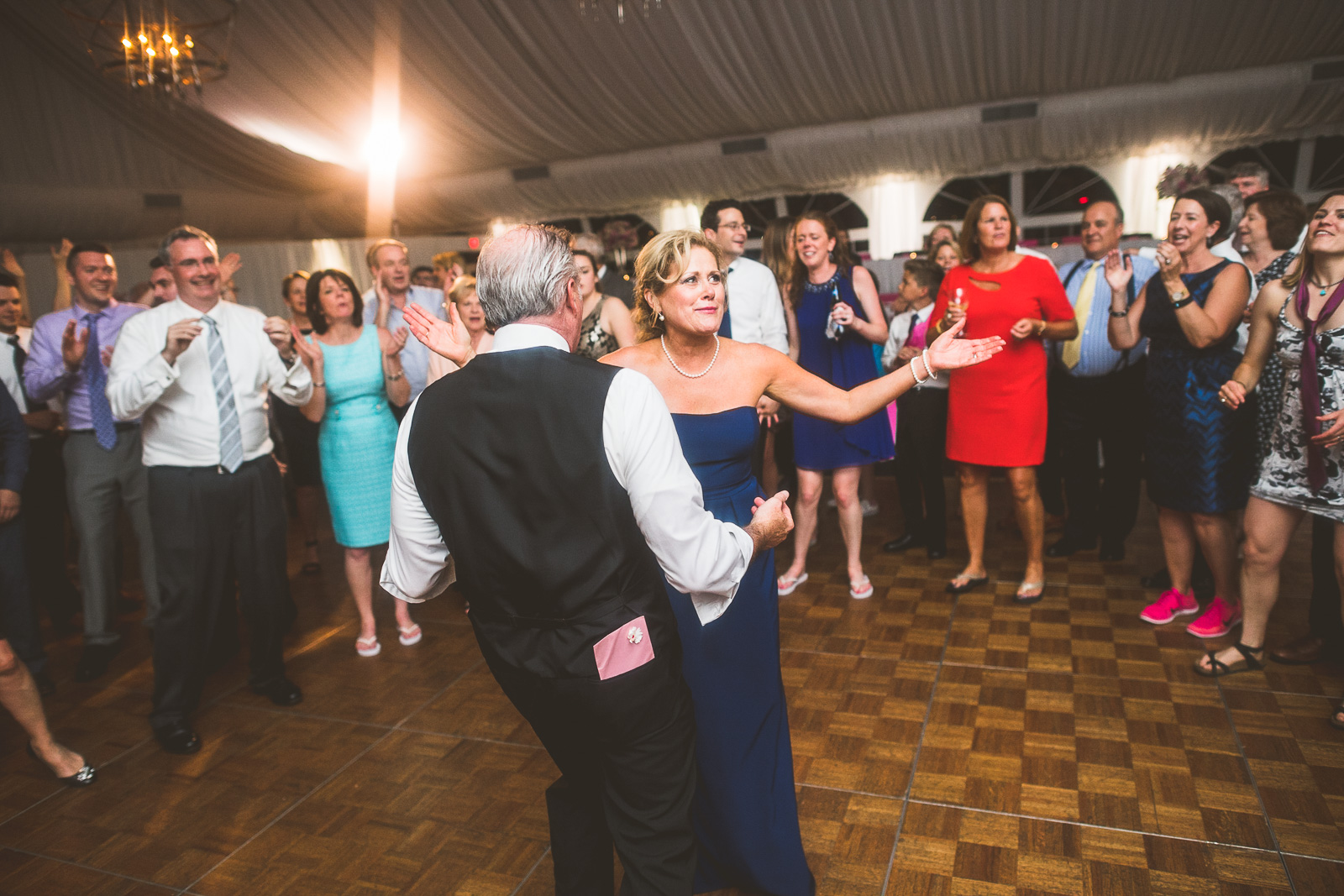 93 dancing at wedding