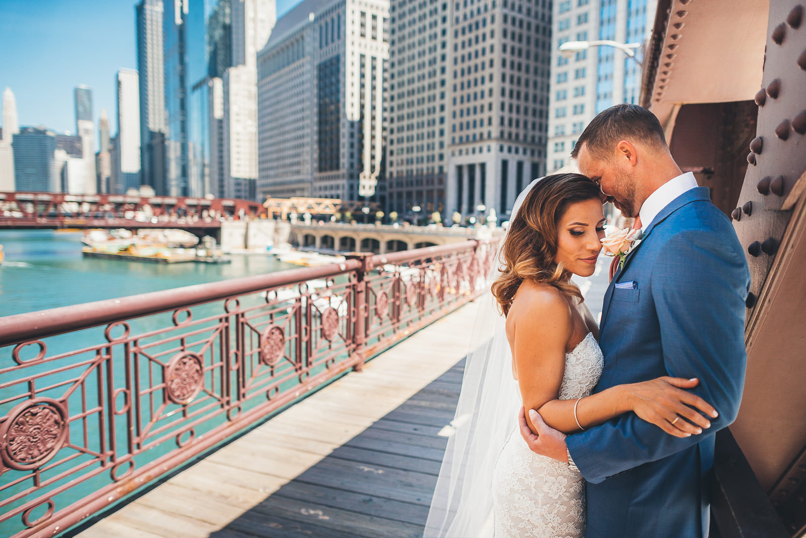 33 bride and groom on the bridge - Natalie + Alan // Chicago Wedding Photographer at Cafe Brauer