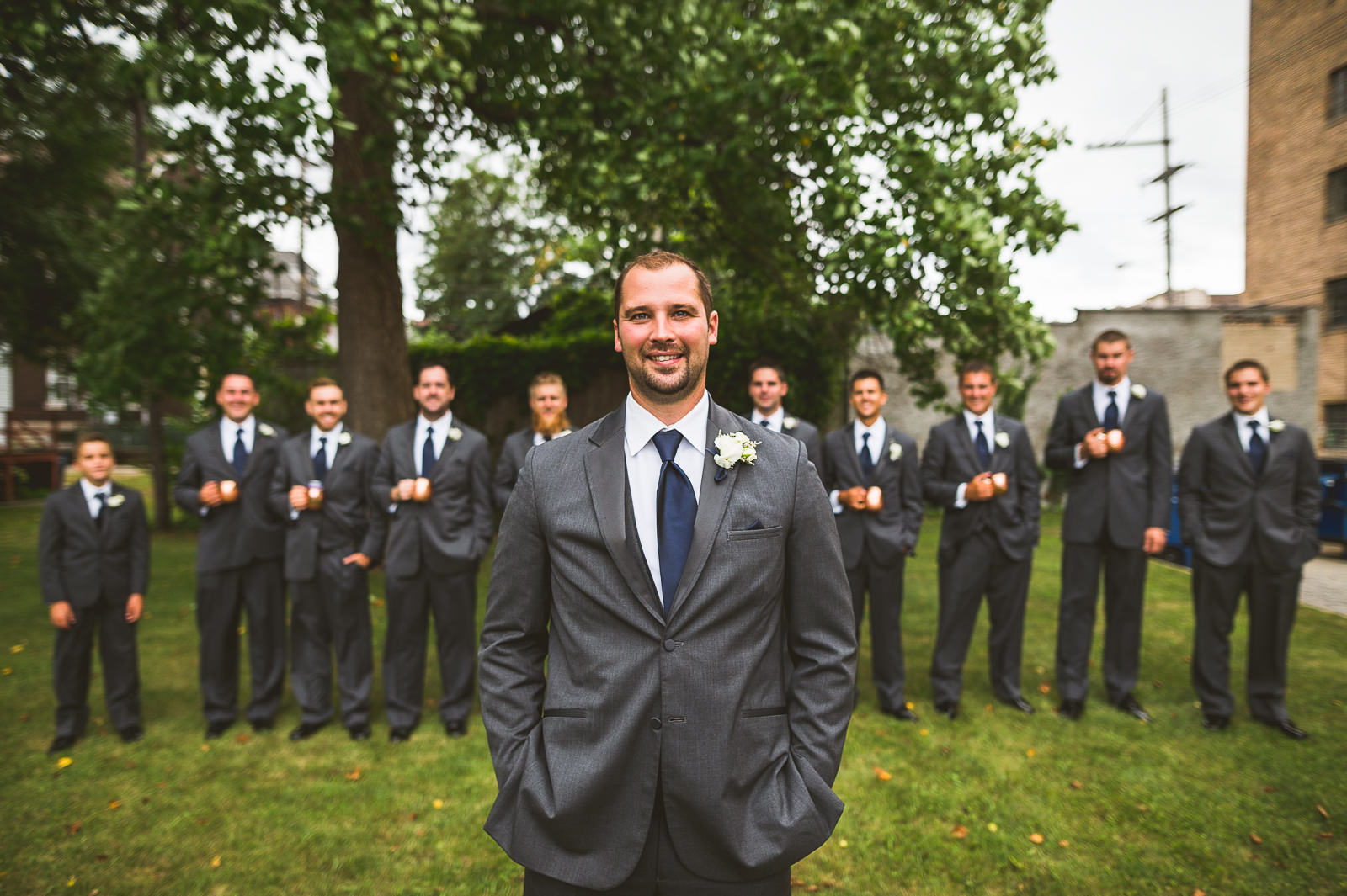 42 great groomsmen photos
