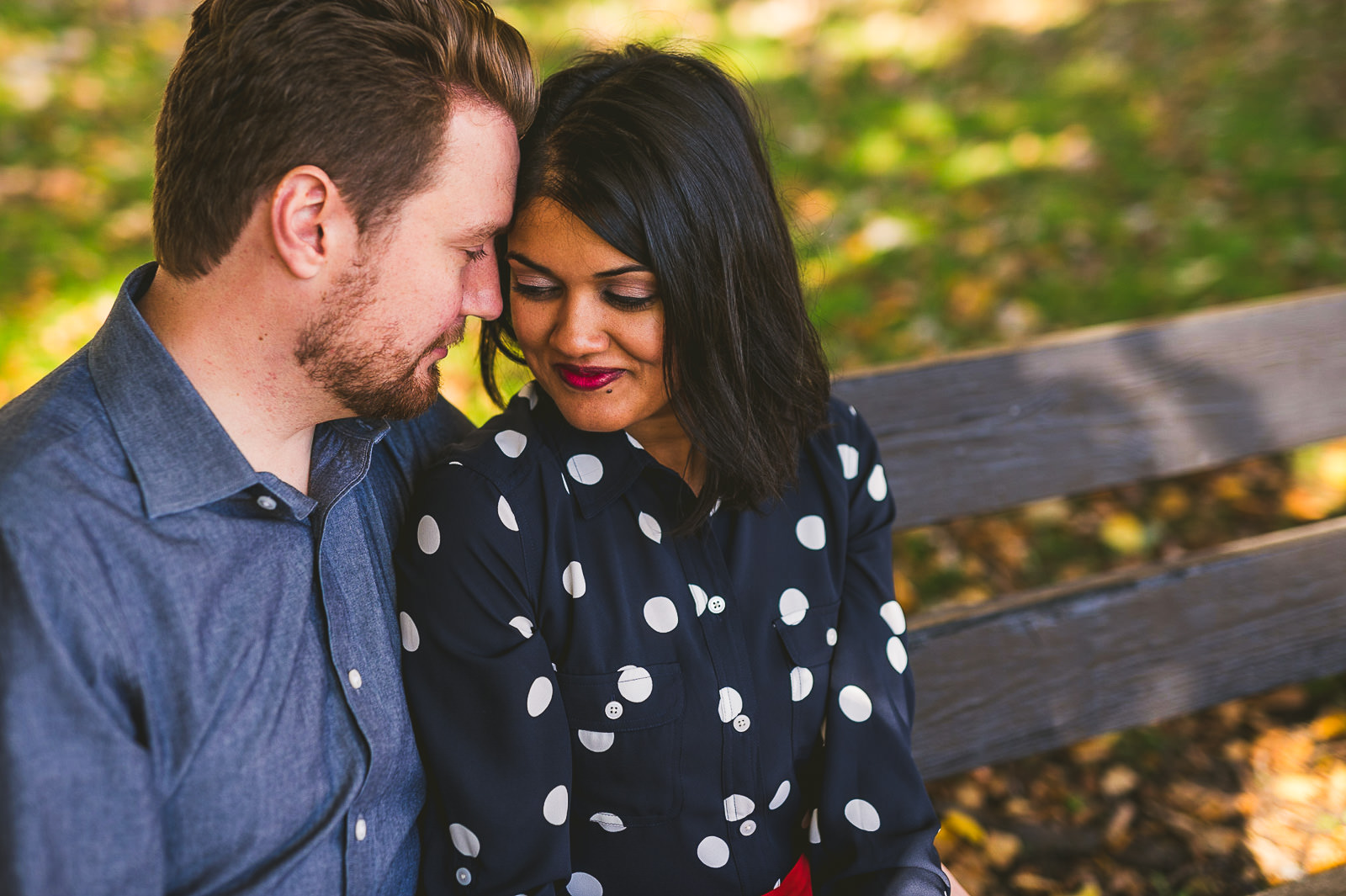 10-1-engagement-photos-during-fall-in-chicago