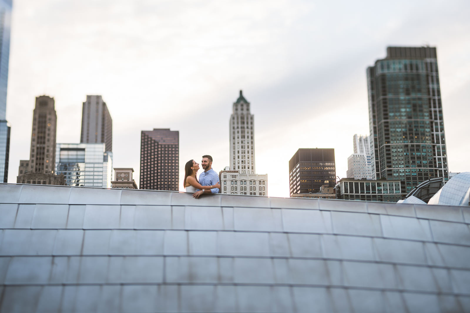 10 chicago skyline engagement photography - River North Chicago Engagement Session // Laura + Justin