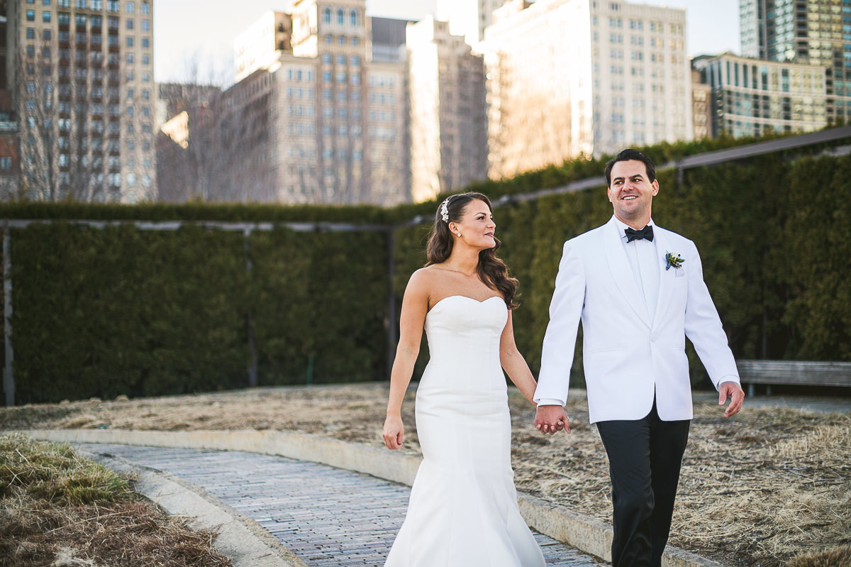 34 chicago wedding portraits - Chicago Wedding Photography at Chicago Athletic Association // Alicia + Spencer