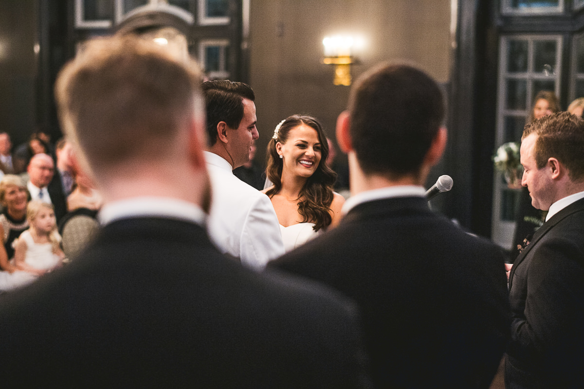 53 chicago wedding photographers at wedding - Chicago Wedding Photography at Chicago Athletic Association // Alicia + Spencer