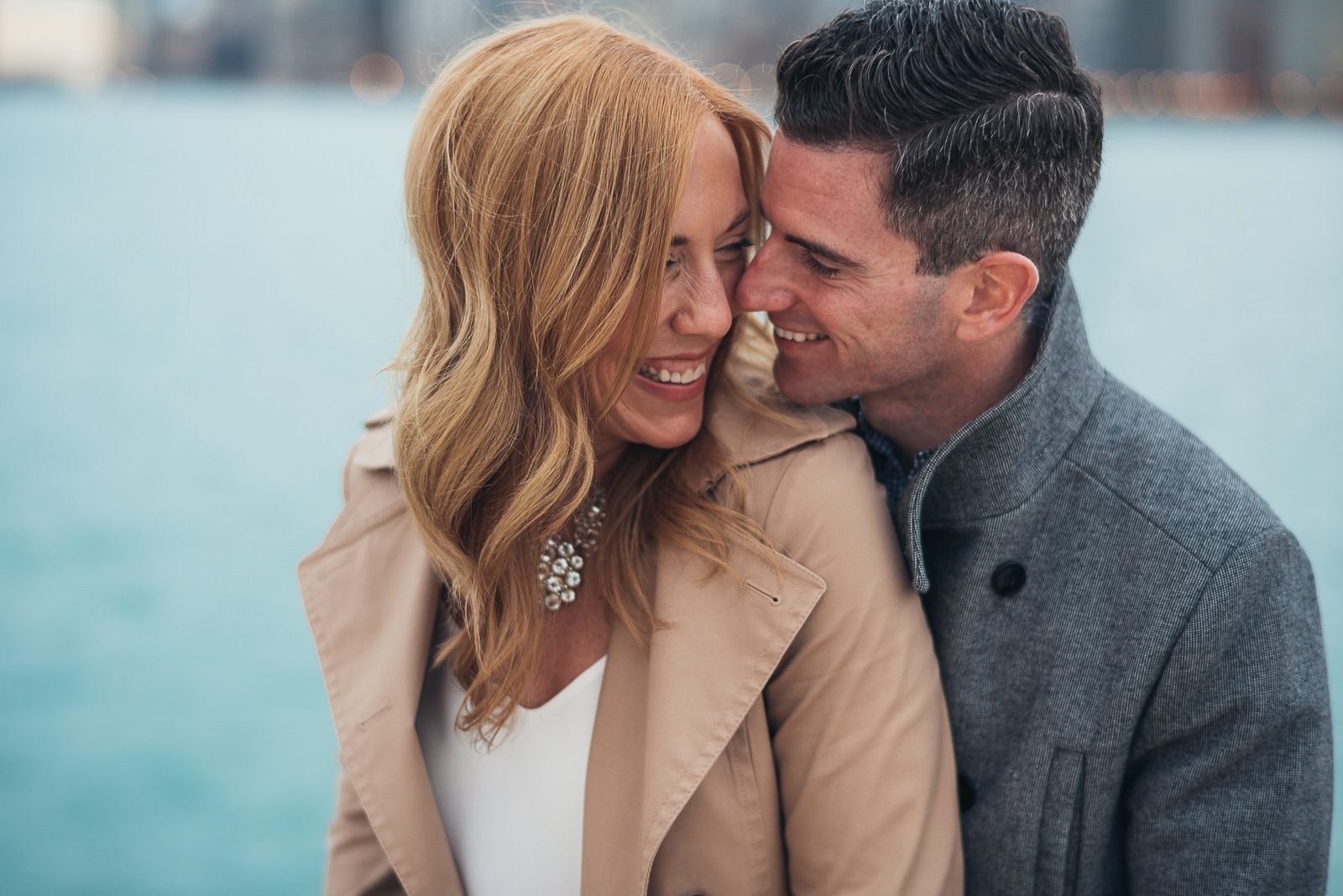 04 chicago beach engagement pics - Megan + Bob // Chicago River North Engagement Session at Shaws Crab House