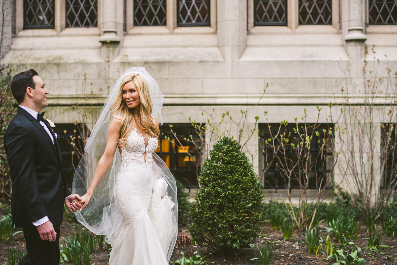 38 chicago wedding photos - Kayla + Terry // Drake Hotel Chicago Wedding Photos
