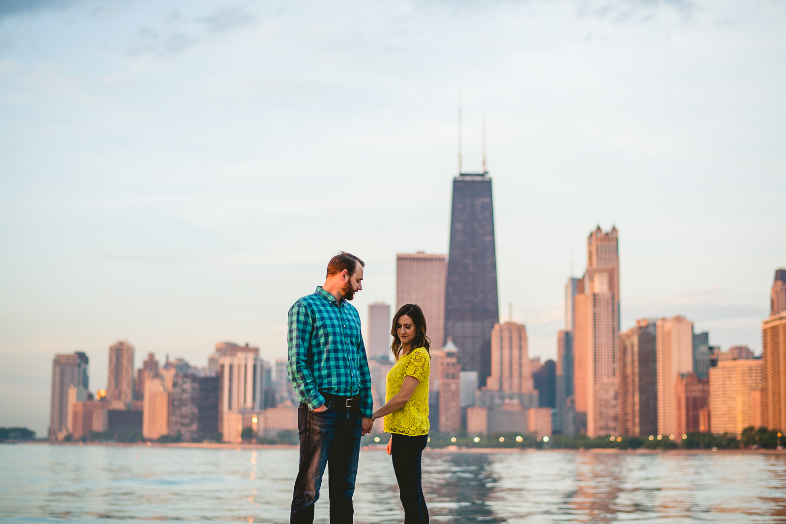 01 chicago skyline engagement photos - Chicago Skyline Engagement Session Photographer // Rachel + Jared