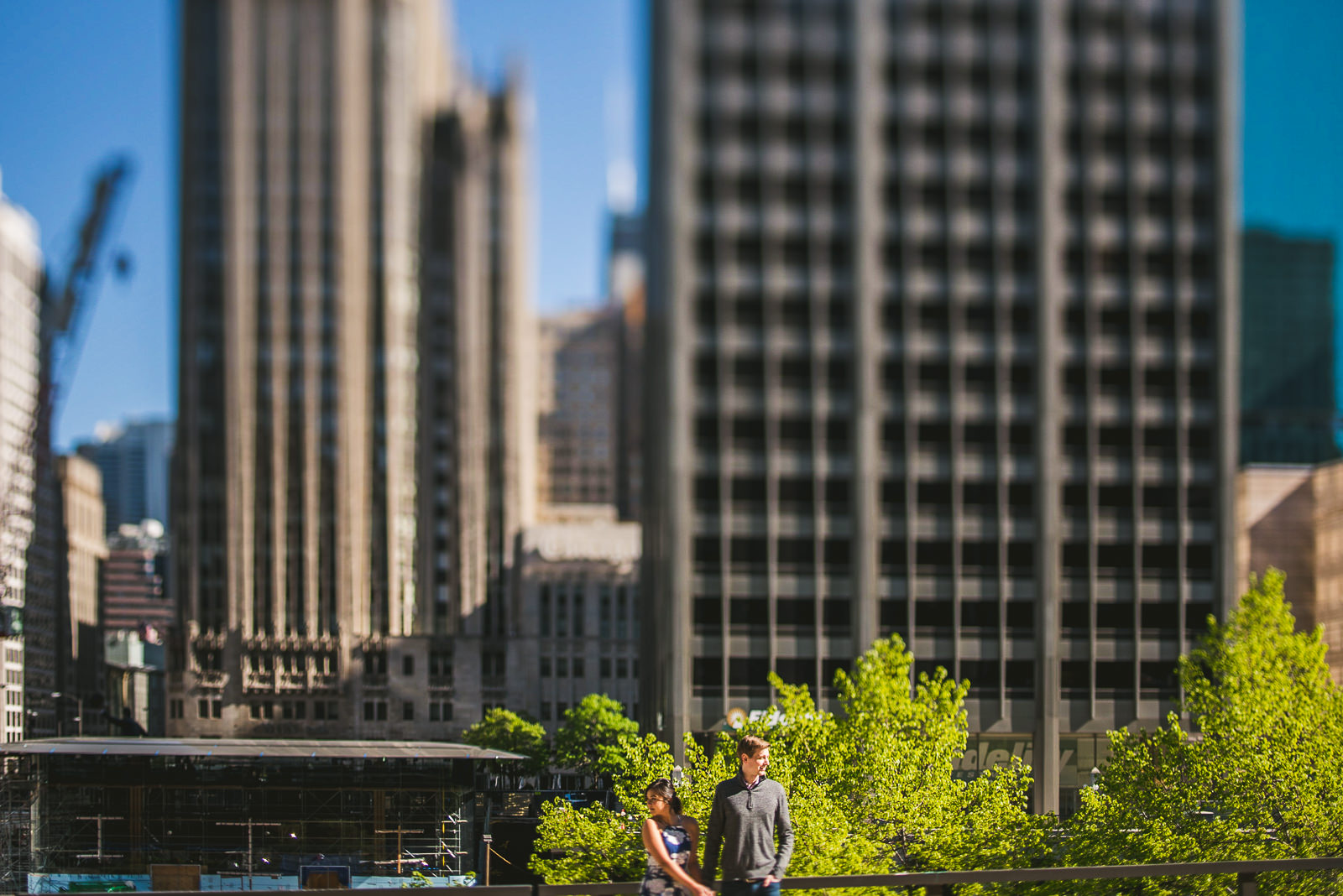 02 chicago engagement sesison - Downtown Chicago Engagement Session // Linhda + Jamie