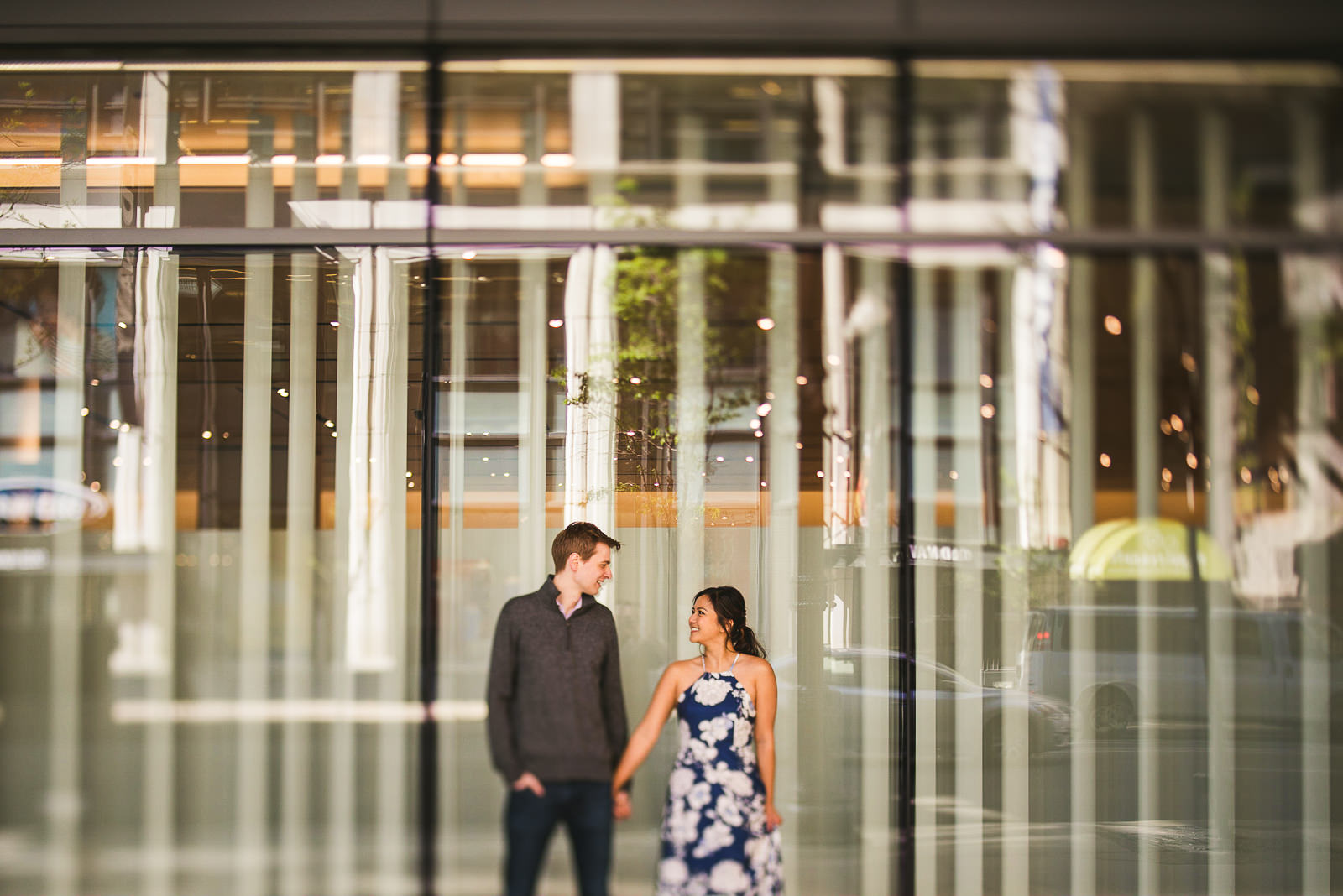 04 downtown chicago engagement photos - Downtown Chicago Engagement Session // Linhda + Jamie