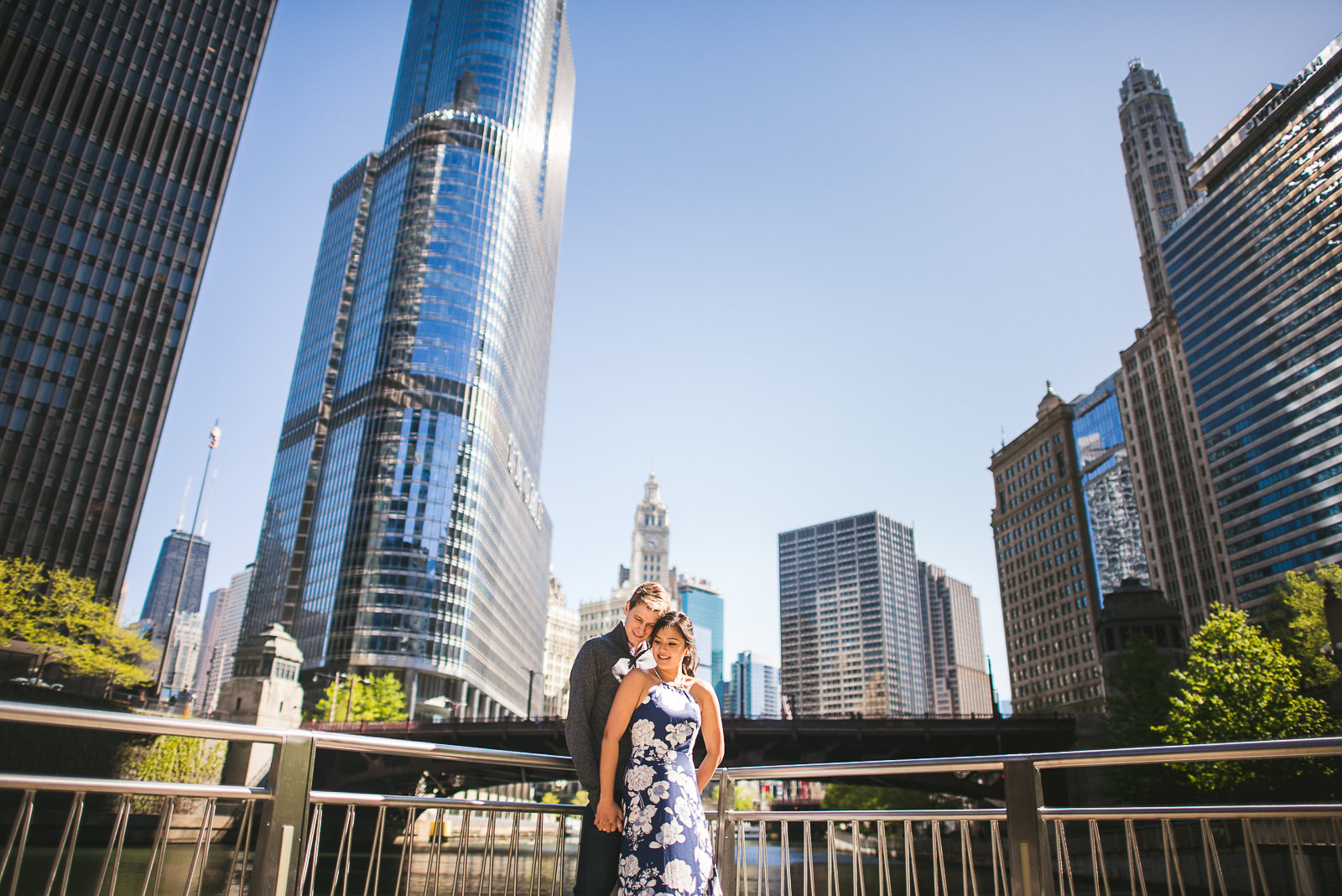 06 chicago engagement photos - Downtown Chicago Engagement Session // Linhda + Jamie