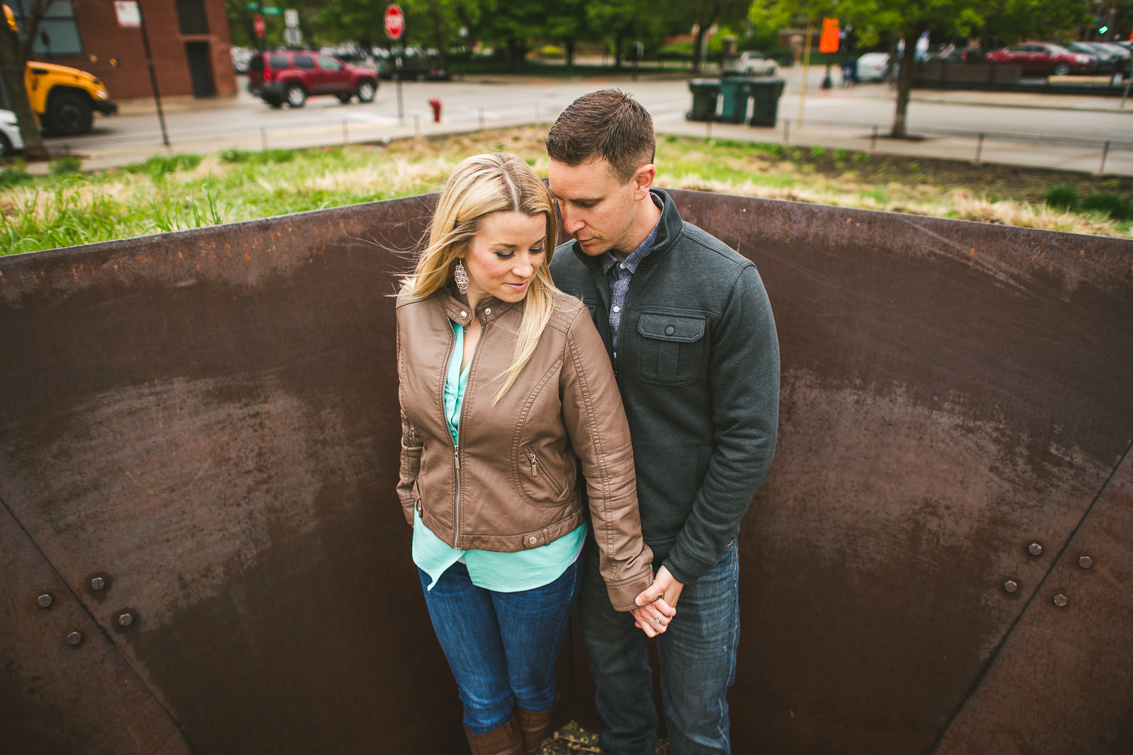 07 chicago engagement photography - Downtown Chicago Engagement Photos // Kelly + Charlie