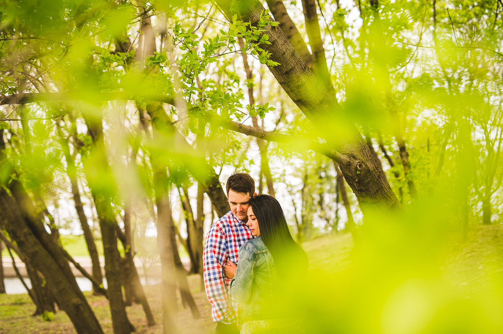 07 earthy engagement photography - Lincoln Park Engagement Session // Erica + Tim