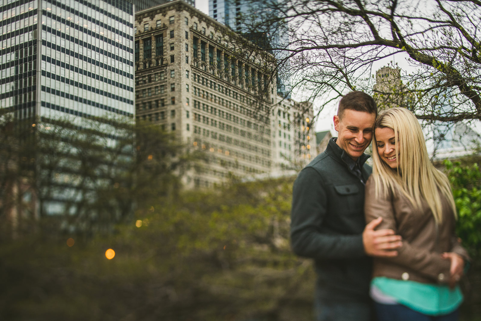 10 chicago engagement session - Downtown Chicago Engagement Photos // Kelly + Charlie