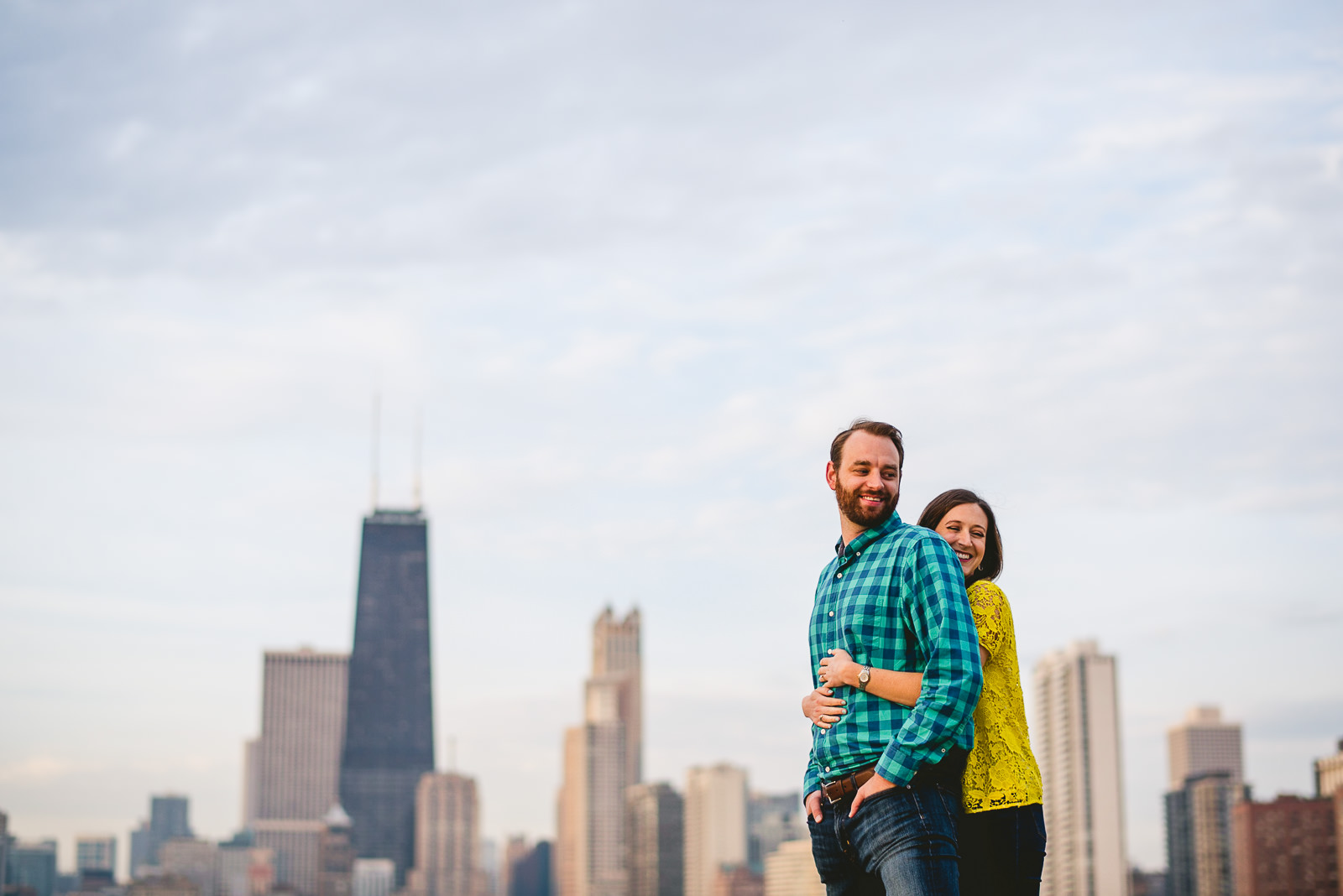 16 chicago engagement photos inspiration - Chicago Skyline Engagement Session Photographer // Rachel + Jared