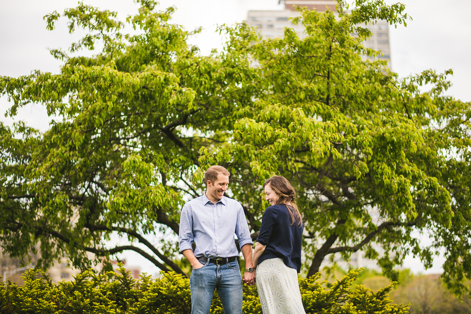 16 hyde park engagement session - Hyde Park Chicago Engagement Photos // Annemarie + Zach