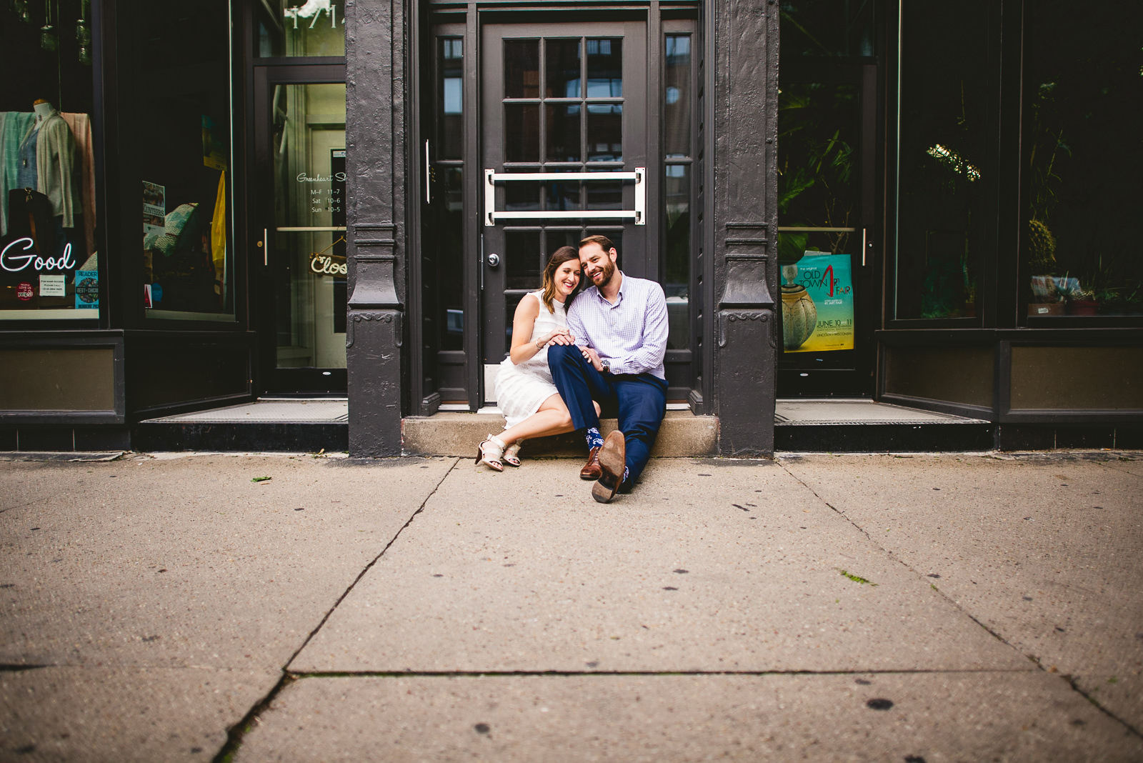 17 old town engagement session chicago - Chicago Skyline Engagement Session Photographer // Rachel + Jared
