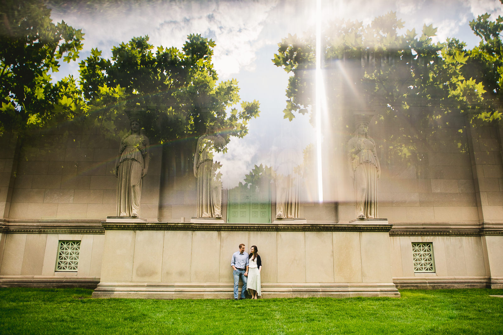 20 prisiming during engagement session - Hyde Park Chicago Engagement Photos // Annemarie + Zach