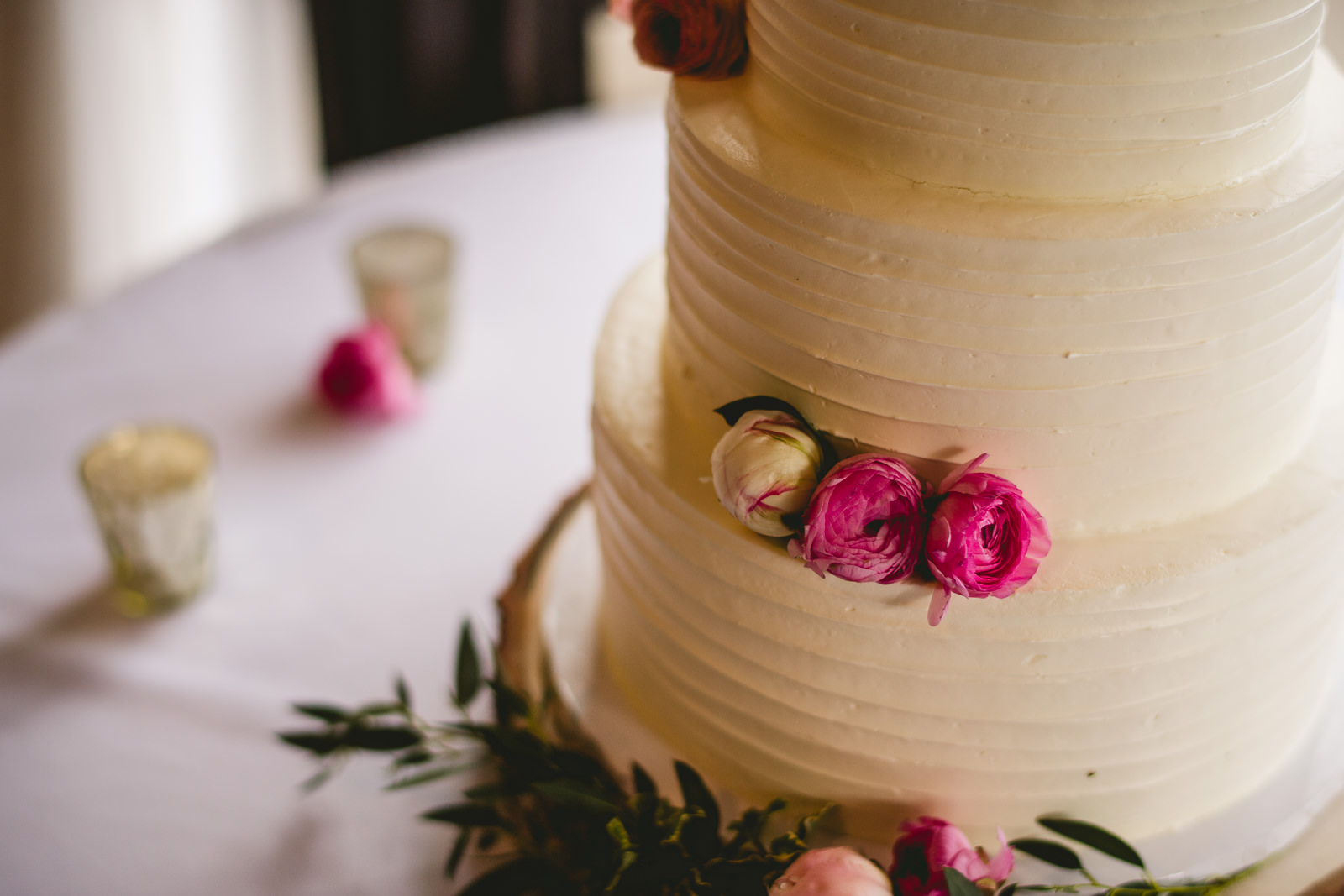 49 club of hillbrook wedding cake - Club of Hillbrook Wedding // Jenna + Ben