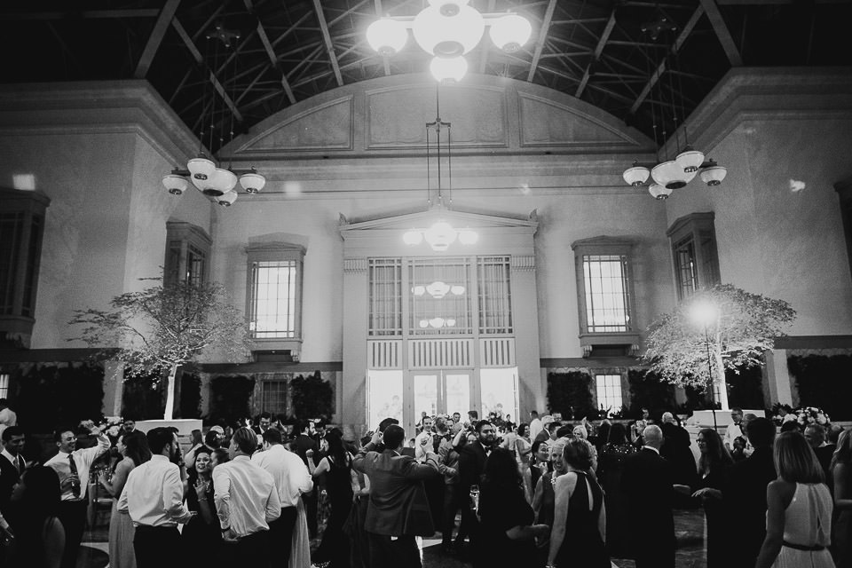 101 harold washington library wedding black and white - Harold Washington Library Wedding Photos // Kasia + Chris